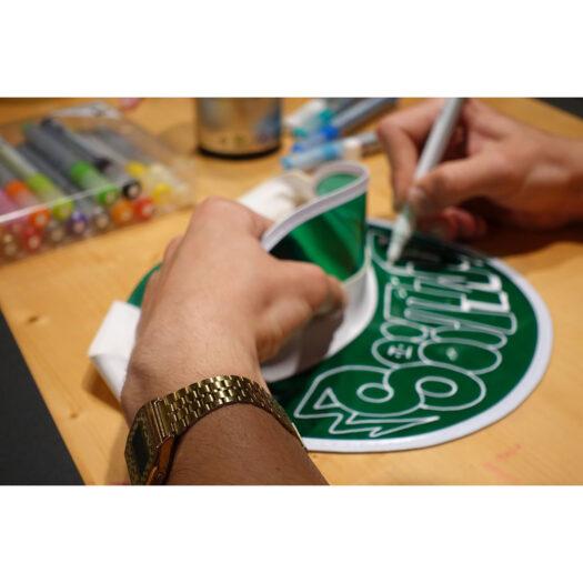 Verfwinkel verf online verf kopen verf bestellen verf op waterbasis 20 verfkleuren gebruiken met verfkwasten verf verwijderen met water verf uit kleding verwijderen lastiger verfspullen verfstiften MTN water based paint marker 5mm
